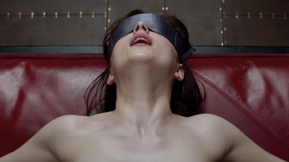 50-shades-of-grey-official-trailer-01